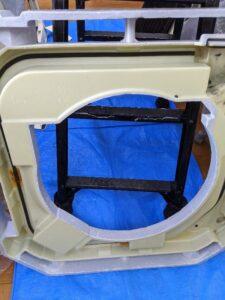 ダイキン製業務用エアコンクリーニング現場写真:天井埋込4方向エアコン室内機ドレンパン