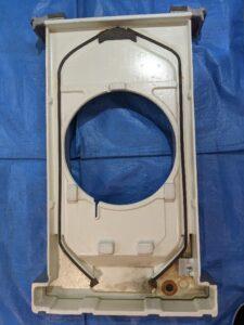 大阪府高槻市歯科医院の業務用エアコンクリーニング現場写真。ビフォーアフタードレンパン2